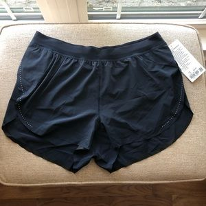 """NWT LULULEMON FIND YOUR PACE SHORT 3"""" SIZE 10"""